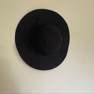 Accessories - 100% WOOL BRIMMED HAT